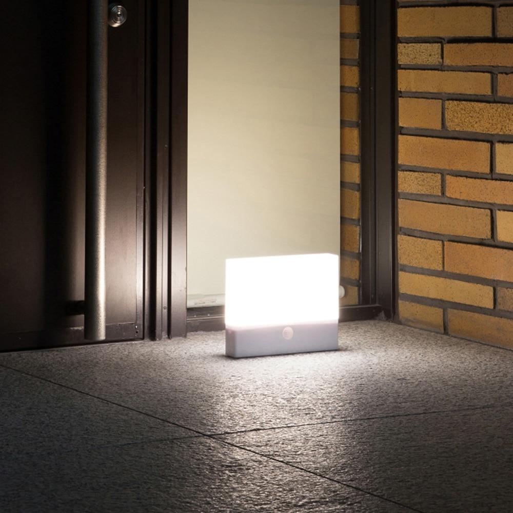 持ち運べる灯り LEDセンサーライト CZ-011