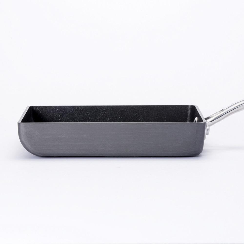 IH対応 焦げ付きにくいエッグパン 15×18cm(540g)