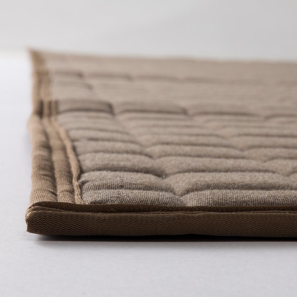 ずれにくい洗えるキルトラグ スムース 185×185 ブラウン