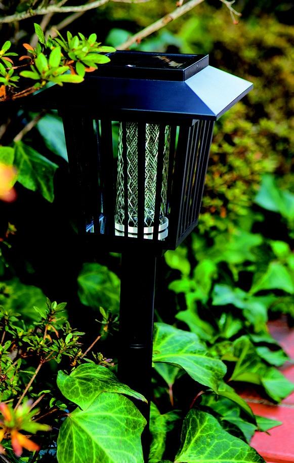 【数量限定】ソーラー充電式ガーデン殺虫ライト NCS−800G