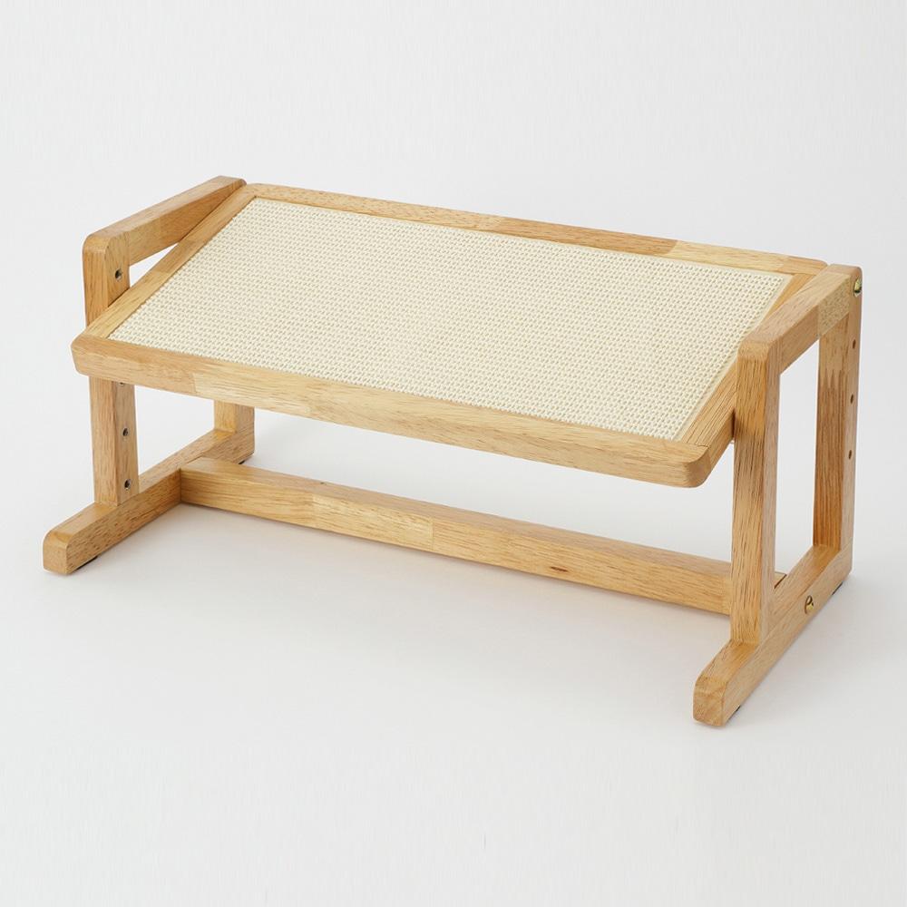 高さと角度が変えられるドッグテーブル