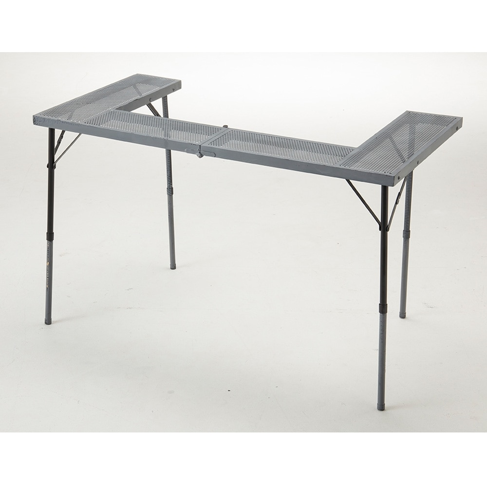 ファイアピットにも使えるテーブル