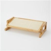 高さと角度が変えられるキャットテーブル