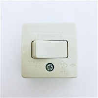 Panasonic 10A角型タンブラスイッチ3路/WS3002W